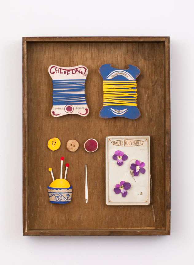 Violette buttons & sawing
